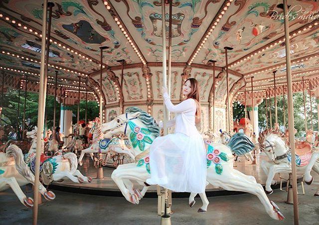 Instagram media by gyu1013 - #portrait #photo #인물사진 #감성 #소녀 #스냅 #컨셉 #모델 #model #회전목마 #merry go round