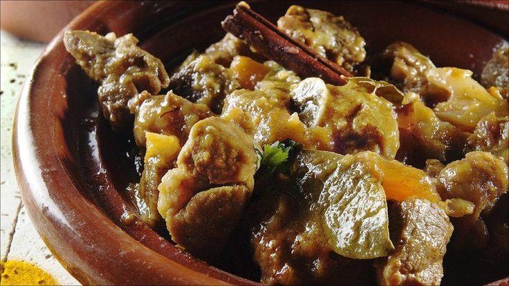 En velduftende marokkansk gryte med eksotiske krydder, tilberedes i tradisjonsrik leirgryte.