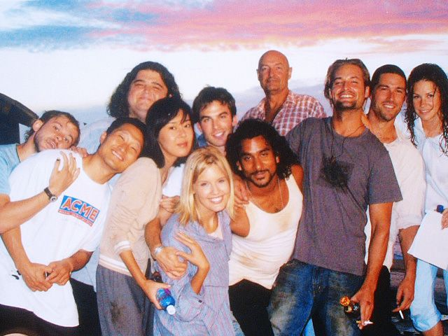 Dominic Monaghan (Charlie), Daniel Dae Kim (Jin), Yunjin Kim (Sun), Jorge Garcia (Hurley), Ian Somerhalder (Boone), Maggie Grace (Shannon), Naveen Andrews (Sayid), Terry O'Quinn (Locke), Josh Holloway (Sawyer), Matthew Fox (Jack) and Evangeline Lilly (Kate) on the set of LOST.