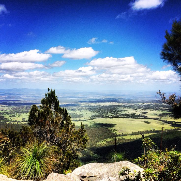 Mount Larcom mountain qld