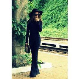 Sexy Black Jumpsuit! Salopetele negre accentueaza formele feminine, minimizeaza defectele si te fac sa pari mai supla!