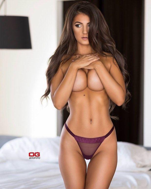 polina-paulina-bikini-boobs-classic-porn-film