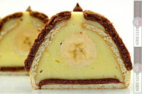 Prajitura cu biscuiti si banane - Adygio Kitchen