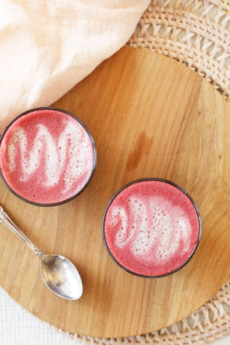 Velvet Beetroot Latte - the perfect bevvy for when all you have is a mug, some water, and milk - no fancy blenders needed! Plus - caffeine free, vegan, low sugar + dairy free. Weight Loss Snacks, Weight Loss Diet Plan, Best Weight Loss, Healthy Weight Loss, Weight Gain, Drinks Alcohol Recipes, Alcoholic Drinks, Cocktails, Eggs Low Carb
