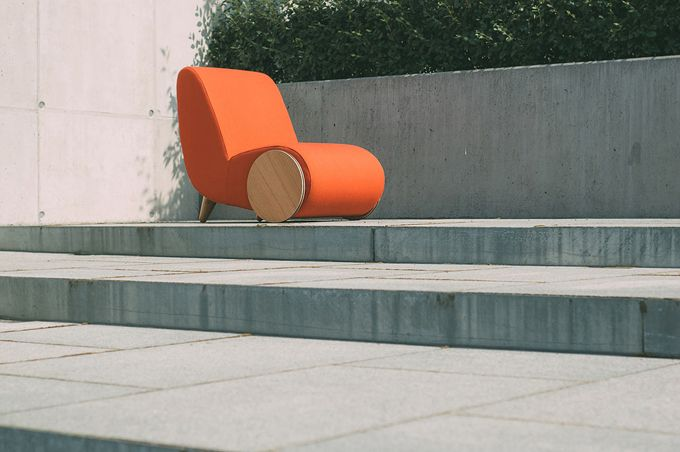 A contemporary lounge chair Inspired by a Wheelbarrow lounge outdoor chair