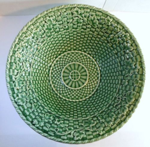 Bordallo Pinheiro Green Majolica Basketweave Bowl With