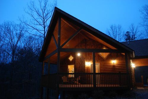 Helen, GA Cabin Rentals | Alpine Hide-A-Way | Next to Unicoi State Park | Minutes from Helen | 2 Bedroom Cabin with Hot Tub $504