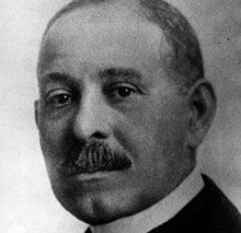 Dr. Daniel H. Williams Born: Hollidaysburg, Pennsylvania 1856 Invention: Performed First Open Heart Surgery Dr. Daniel Hale Williams was an African American physician who made history by performing the first successful open heart surgery operation