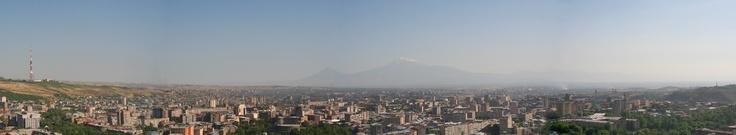 Panorama-erevan.jpg (2550×471)    Panorama d'Erevan depuis le haut de la Cascade