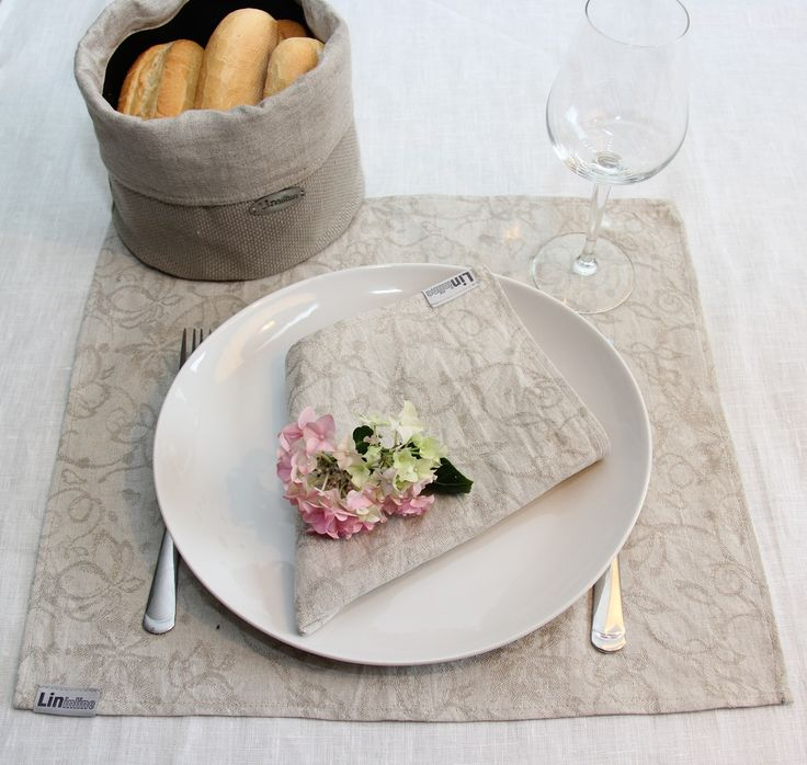Linen placemats by LininLine