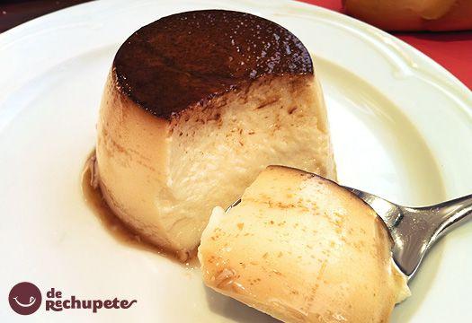 Flande de queso casero INGREDIENTES  8 huevos  100 grs de azúcar (1 cucharadita por flan, si los quieres menos dulce añadid menos) Recordad que lleva leche condensada.  300 g de leche condensada  1/2 litro de leche entera  1 cucharada de postre de esencia de vainilla  Para el caramelo: 5 cucharadas de azúcar granulada blanca, un poco de agua (3 cucharadas) y unas gotas de limón exprimido.  300 g de queso crema tipo Philadelphia