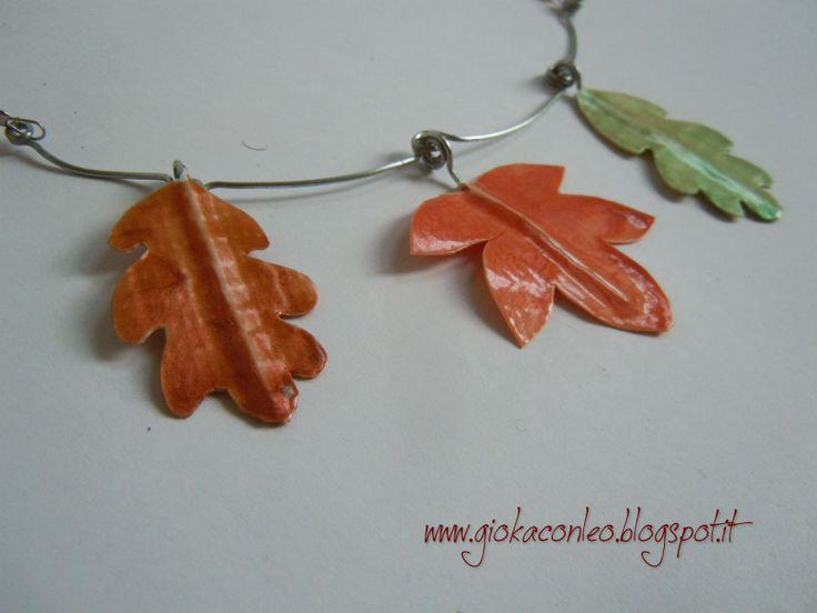 collana con foglie in (finto) rame