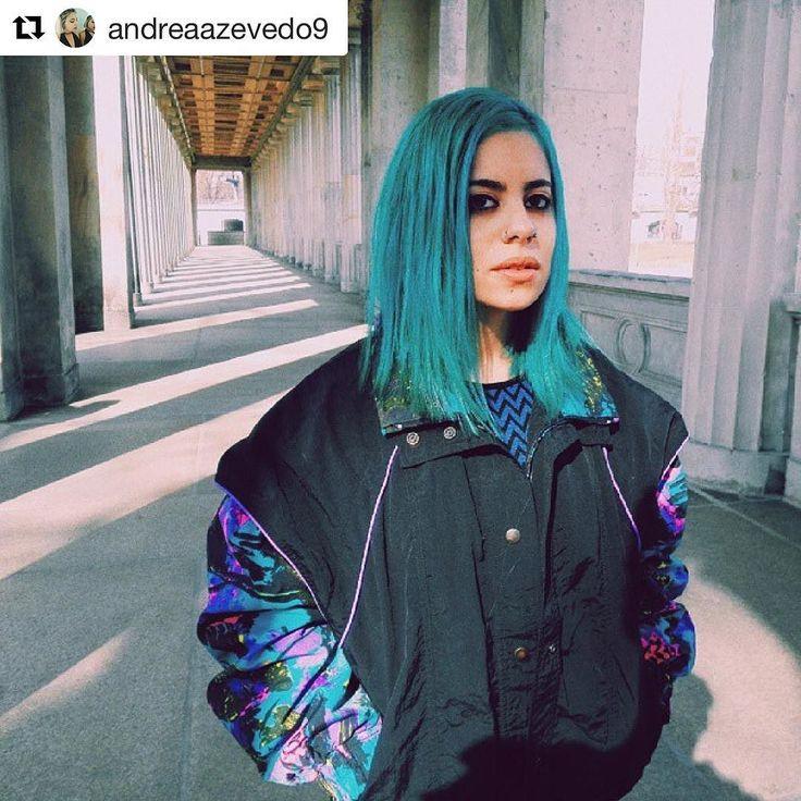 #Repost by @andreaazevedo9  #berlin #berlinarchitecture #turquoisehair #vintageclothing #vintage #secondhandberlin #humanasecondhand #humanaberlin #spree #germany