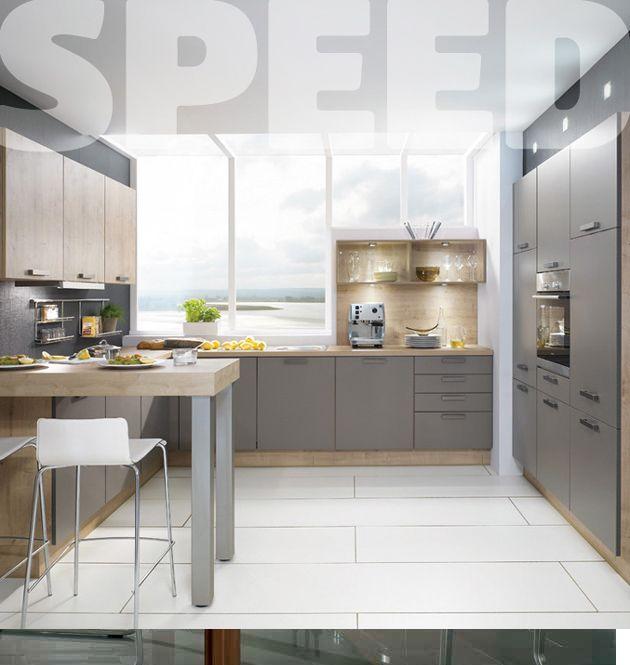 Nechte se inspirovat přírodou Kuchyňskou sestavu Speed charakterizuje inspirace přírodou, a to jak v matovém provedení barevých akcentů typických pro lávu, písek nebo třeba borůvku, tak ve zpracování imitace jasanu či dubu. Kombinace jakékoliv barvy tohoto modelu s dezénem dřeva činí tento typ přirozený a přesto trendy.