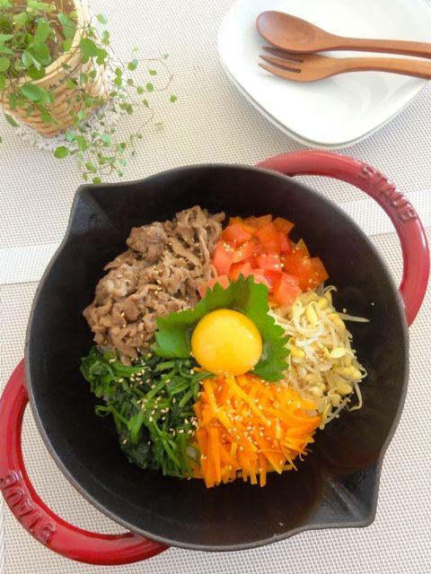 カラフルお野菜ナムルのフライパンビビンバ。   美肌レシピ