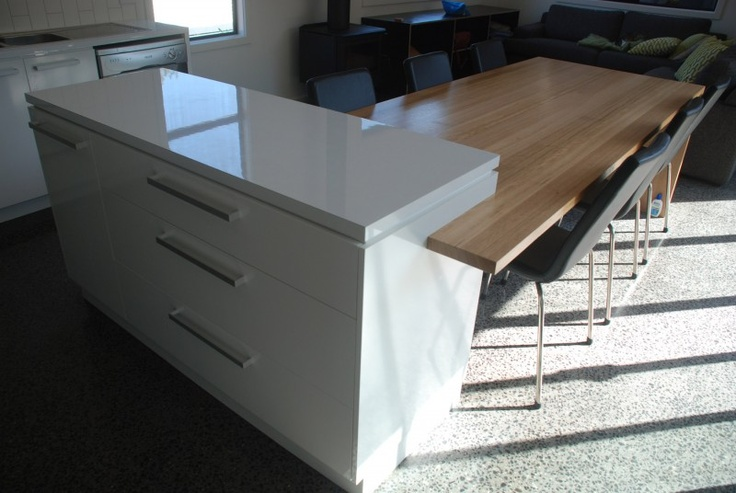 Built-in kitchen table.