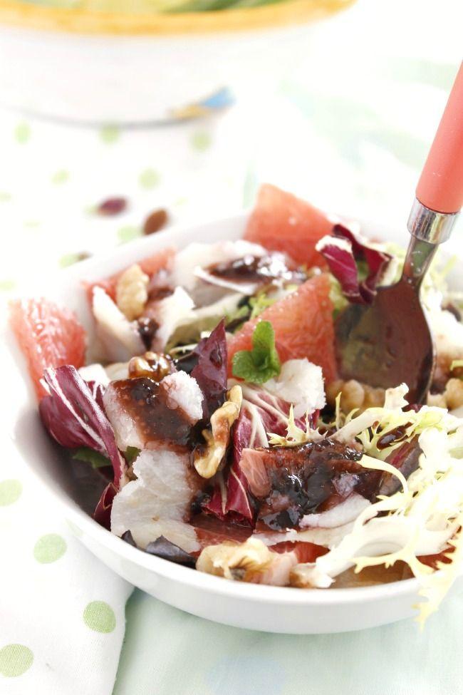 Madame Pépinière •  Ensalada de bacalao ahumado, pomelo y nueces con vinagreta de mermelada de arándanos
