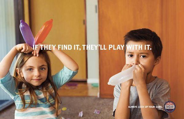 コンドームやディルドで無邪気に遊ぶ子供たち…銃の安全な保管を啓発するユーモラスな広告   AdGang