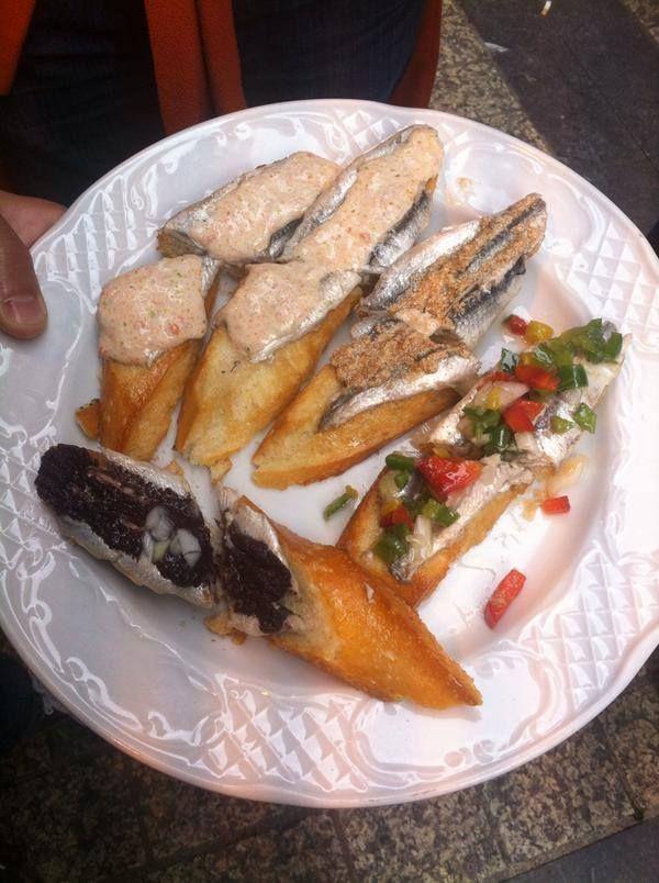 """Por Beatriz @btrzyang """"No podre olvidar esto tan facil #bartxepetxa #sansebastian """" #anchovy #anchovies #anchoas #antxoas #antxoak #pintxo #guia #ruta #tapas #sansebastian #estrellamichelin #bares #traveler #food #awards #sansebastian #gastronomy"""