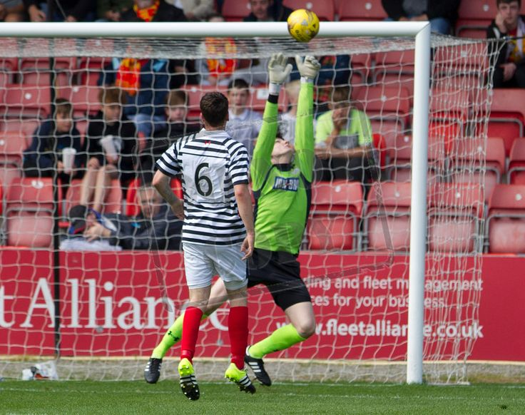 Queen's Park's Andy Murphy in action during the Betfred Cup game between Partick Thistle and Queen's Park.