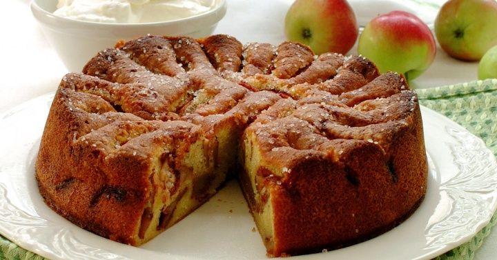 Bestemors eplekake oppskrift/ grandmas Appel cake recipe