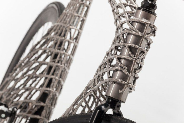 Robotic welding arm used to 3D print a stainless steel bike
