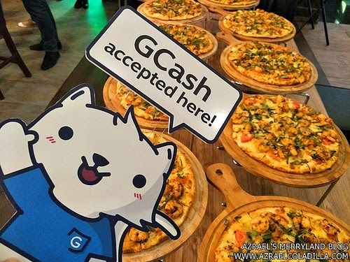 Shakey's and Globe GCash offers toll free pizza delivery