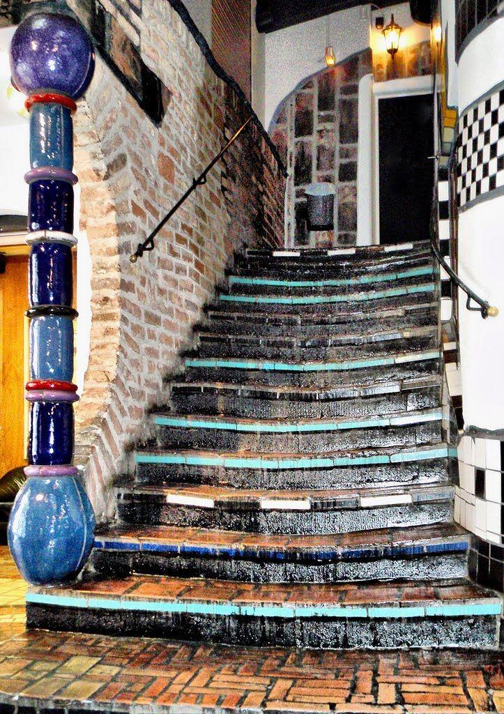 Az organikus formák szerelmese - Friedensreich Hundertwasser,  #Bécs #építészet #festett #filozófia #ház #Hundertwasser #kerámia #mozaikos #művészet #német #ornamentikus #otthon #otthon24 #szecesszióshatás #színes #szökőkút, http://www.otthon24.hu/az-organikus-formak-szerelmese-friedensreich-hundertwasser/
