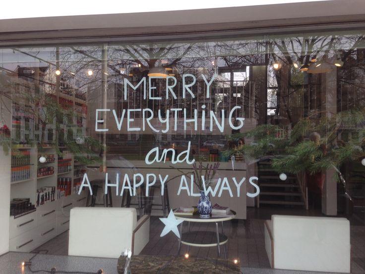 Mooie tekst op raam in Rotterdam!