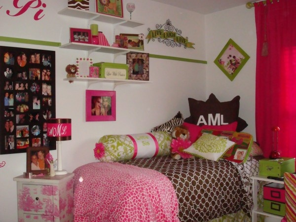 View The Photo College Dorm Chic: Glammed Up Dorm Rooms Create The Feel Of  Home On Yahoo. Part 74