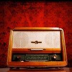 La UNESCO propone celebrar a la radio como medio de comunicación para mejorar la cooperación internacional entre los organismos de radiodifusión.