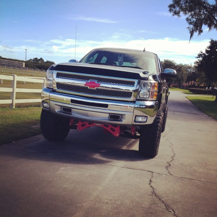 Black and pink chevy silverado | My old truck.. Had to get ...