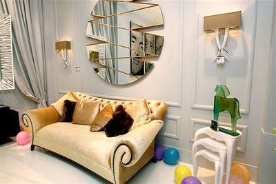 Sofá dorado para un salón con glamour