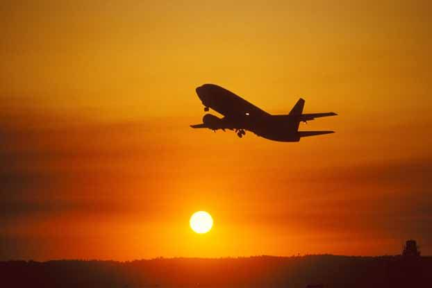 10 Tips for Finding the Lowest Airfares