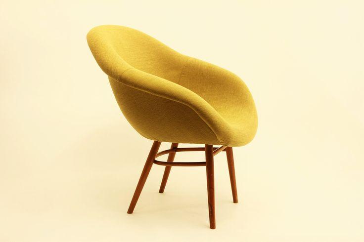 Skořepinové křeslo/Fibreglass chair