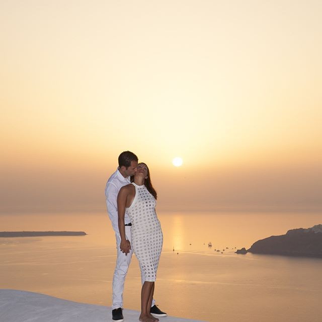 The most beautiful sunset #honeymoonphotography #santoriniphotographer #couplephotography #sweetcouple #lovelycouple #photoshoot #photooftheday #photoshoots #santorini #greekisland #couplephoto #couples #inlove #santoriniphotography #honeymoon #engagementphotography #imerovigli #skaros #sunset #sunsetsantorini #sunsetphotos