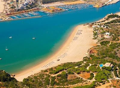 #Beach Praia Grande e Praia da Angrinha, Ferragudo, Algarve, Portugal | via http://blog.turismodoalgarve.pt