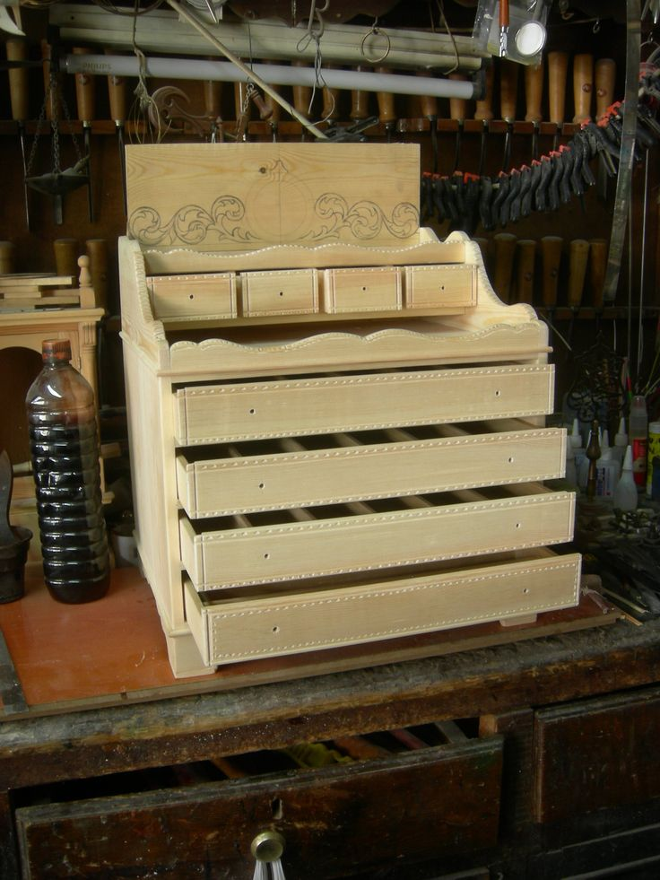 Bir koleksiyonere özel çekmeceli tespih kutusu yapım aşaması