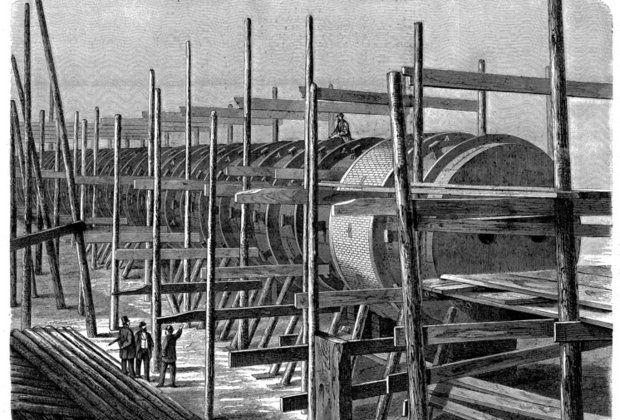 Строительство вакуумной дороги. 1866 год. Так и не достроенная трасса дороги, вагоны которой должны были двигаться под действием создаваемого гигантским вентилятором разрежения. Меньшая по протяженности линия вблизи Хрустального дворца успела проработать примерно год.