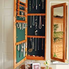 hidden jewellery in mirror - awesome idea for master.