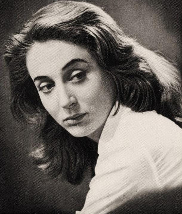 «Πιστεύω πως γεννήθηκα με πολύ ταλέντο και το σκόρπισα έτσι άθλια» είχε πει η μεγάλη ελληνίδα ηθοποιός, η οποία γεννήθηκε σαν σήμερα,13 Απριλίου 1926...