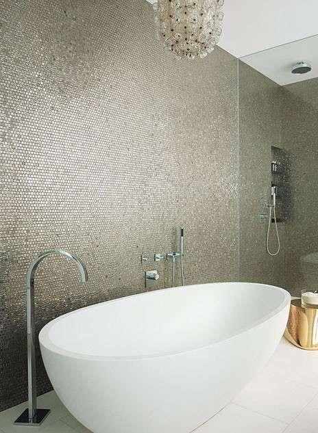 Oltre 25 fantastiche idee su arredamento da bagno grigio for Piastrelle mosaico bagno adesive