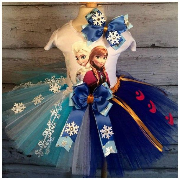 Vestido feito com tutu - Tema Frozen com Anna e Elsa