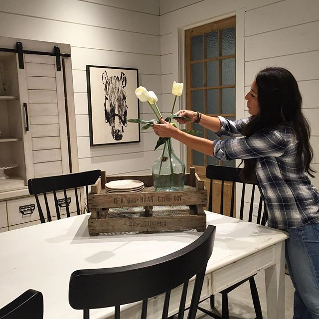 Here s  joannagaines behind the scenes at her High Point furniture showroom   Jo can. Best 25  Furniture showroom ideas on Pinterest   Showroom