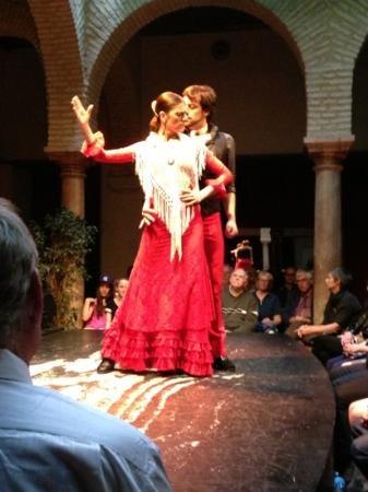 Museo del Baile Flamenco: passionate flamenco: the 'Allegra'