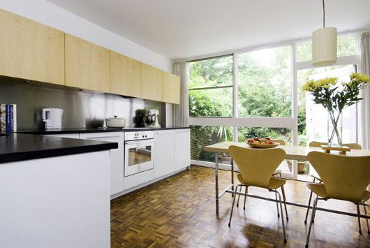 Span House refurb by David Fern http://cimmermann.co.uk/blog/modernist-homes-uk-best/