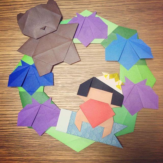 """珍しくリース作ってみました。ちょっと早いけど「端午の節句リース」です ほぼ@KAMIKEY_ORIGAMIさんのデザインです #折り紙 #origami #シンプルリース #SinpleWreath #こいのぼり #Koinobori #金太郎1 #Kintaro Ver.1 #くま #Bear ☝️#YouTube""""kamikey origami"""" #菖蒲 #iris #兜 #headpiece ☝️#伝承 #tradition"""