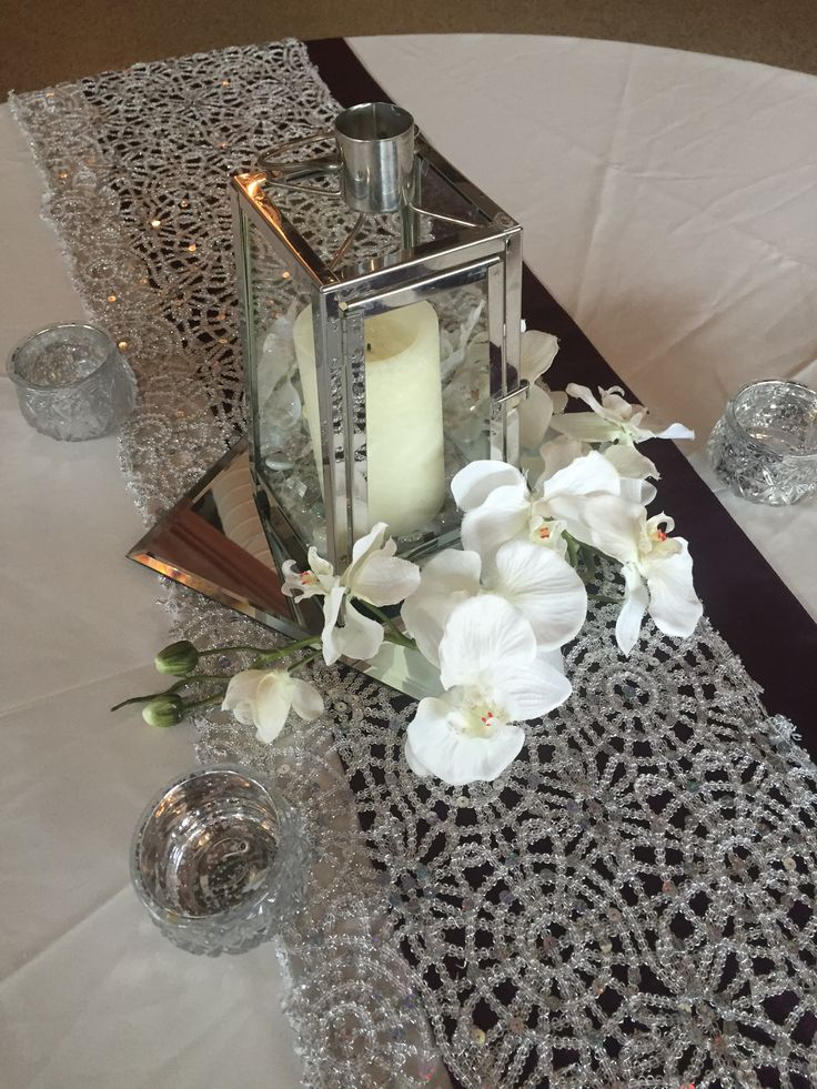 DIAMOND - Silver lanterns with LED candle, artificial floral, and 3 tea lights