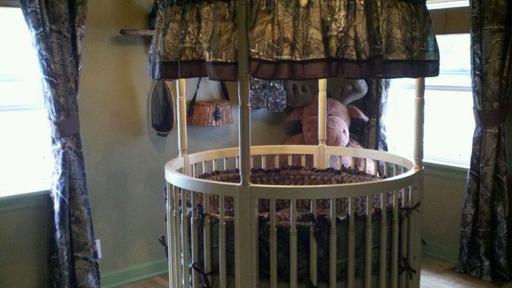 camo baby nursery - If I ever had a child this would prob be the brats crib lol