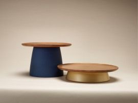 Soban, portable tables, blue and gold, 2011 by Ha Ji-hoon (The Museum Angewandte Kunst)